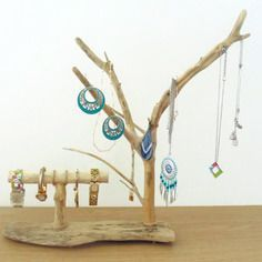 Earring display cards - Fashion jewelry display cards - white display cards - x - Custom Jewelry Ideas Earring Display, Jewellery Display, Jewelry Stand, Jewelry Holder, Wood Crafts, Diy And Crafts, Market Displays, Driftwood Art, Picture On Wood