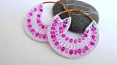 orecchini a cerchio all'uncinetto con perline  di L'Alabastro Creazioni su DaWanda.com