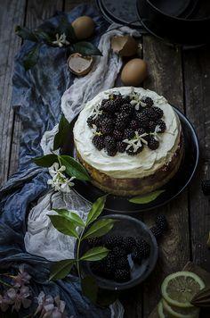 Cheesecake al limone e more (Baked lemon blackberry cheesecake)