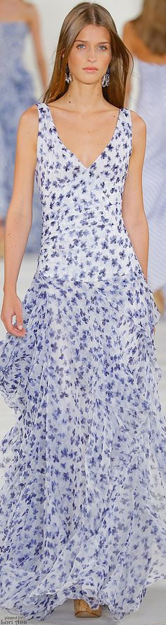 Ralph Lauren Spring 2016 RTW - This is so prettyyyy!!! I just love this kind of pattern for flowy dresses like this