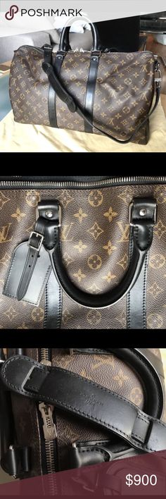Louis Vuitton travel bag A old bag my mom didn't want so she asked me to sell it it has been used a lot but still in good condition Louis Vuitton Bags Travel Bags