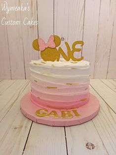 Minnie Mouse Cake, Custom Cakes, Birthday Cake, Foods, Desserts, Pastries, Personalized Cakes, Food Food, Tailgate Desserts