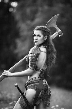 Cosplay: Merida/Red Sonja by Tina Rybakova, photographer Dasha Kond Warrior Girl, Fantasy Warrior, Warrior Princess, Warrior Women, Warrior Spirit, Dark Warrior, Fantasy Girl, Fantasy Characters, Female Characters