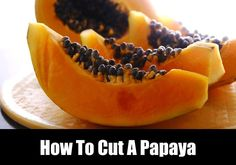 Here is the best way to cut a papaya including peeling and slicing. Papaya Recipes, Salad Recipes, Snack Recipes, Eating Healthy, Healthy Cooking, Healthy Snacks, Frugal Meals, Quick Meals, Summer Side Dishes