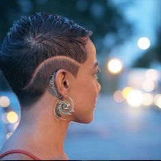 Cool Cuts - 26 Short Haircut Designs Your Barber Needs To See Short Hair Designs, Curly Hair Styles, Natural Hair Styles, Haircut Designs, Undercut Designs, Cut Life, Sassy Hair, Hair Today, Hair Dos