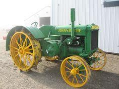 Old John Deere Tractors Are Brought Back to Life.John Deere  Model D