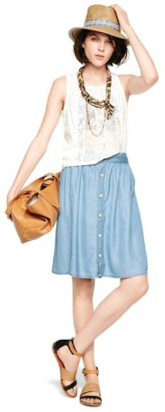 cute chambray skirt  http://rstyle.me/n/iyqm5pdpe
