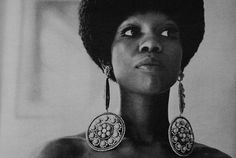Ola Hudson (Slash of Guns & Roses' mother) was born in 1946 was an African American costume designer whose clients included Ringo Starr, John Lennon & David Bowie. She died of lung cancer in (those earrings! Afro, Debbie Harry, Kardashian, Slash, My Black Is Beautiful, Beautiful People, African American Women, African Americans, African American History