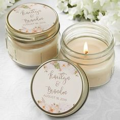 Wedding favor ideas + inspiration to help you ditch the favors guests will toss and give them something unique that they'll want to keep! Cute favor ideas, sustainable wedding favors, food favors, DIY wedding favors and other favors that guests will love! Elegant Wedding Favors, Candle Wedding Favors, Candle Favors, Mason Jar Candles, Mason Jar Lighting, Wedding Favors For Guests, Mason Jar Diy, Floral Wedding, Wedding Gifts
