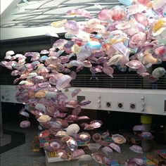Amazing Jellyfish sculpture by Dillon Works installed at National Aquarium Baltimore #dillonworks #jellies so cool!