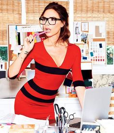 Victoria Beckham. Love her glasses!