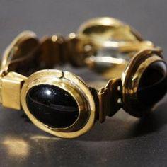 Rafael Canada black cabochon bracelet in brass. My Father, Handcrafted Jewelry, Jewelry Crafts, Canada, Brass, Good Things, Bracelets, Handmade Chain Jewelry, Handmade Jewelry