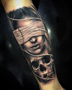 No photo description available. Skull Girl Tattoo, Girl Face Tattoo, Tattoos Skull, Forearm Tattoos, Body Art Tattoos, Girl Tattoos, Tattoos For Guys, Chicano Tattoos, Lettrage Chicano