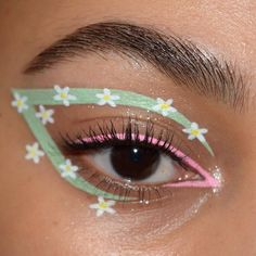 Edgy Makeup, Makeup Eye Looks, Eye Makeup Art, Crazy Makeup, Cute Makeup, Makeup Goals, Pretty Makeup, Eyeshadow Makeup, Makeup Trends