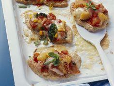 Putenbrust mit Pizzahaube - smarter - Kalorien: 154 Kcal - Zeit: 40 Min. | eatsmarter.de