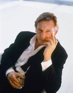 Sexy Old Dudes - Liam Neeson Actor Liam Neeson, Liam Actor, Divas, Actrices Hollywood, Irish Men, Irish Boys, Raining Men, Handsome Actors, Looks Cool