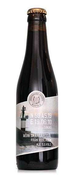Västergården Bryggeri Tjockö / Rostad arom, en lättdrucken öl trots sin mörka färg och med en knäckig karamellsmak. Ren i karaktären och passar utmärkt till både sött och salt.