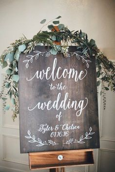 DIY wedding ideas for brides who love lettering Here's a rustic DIY wedding idea. Welcome your guests with a sweet sign to start the event. Decorate it with fresh flowers and green for a romantic and modern look. Rustic Wedding Signs, Wedding Welcome Signs, Wedding Signage, Rustic Weddings, Chalkboard Wedding Signs, Wedding Chalk Board Signs, Beach Weddings, Romantic Weddings, Signs For Weddings