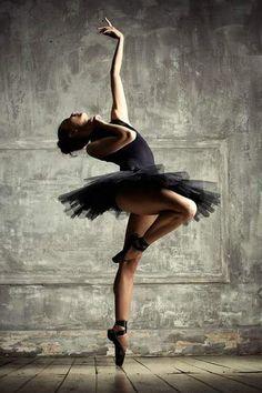 Ballerina Anastasia Tselovalnikova - Photo by Dasha Nikonchuk. Beautiful dancer in black pointe shoes, costume, and tutu-- on one toe! Art Ballet, Ballet Dancers, Ballerinas, Black Dancers, Ballet Class, Dance Poses, Ballet Photography, Figure Photography, Ballet Beautiful