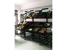 EXHIBIDORES DE FRUTAS Y VERDURAS Shoe Rack, Cave, Ideas, Shopping, Supermarket Design, Fruits And Vegetables, Shoe Racks, Caves, Thoughts