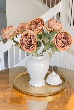 Create a simple floral arrangement with these artificial earthy brown roses. Style in your favorite ginger jar for an instant fall refresh. Shop this look at Afloral.com. Image by @maricelalopezdesign. Fall Home Decor, Autumn Home, Fall Flowers, Wedding Flowers, Ginger Jars, Fall Diy, Thanksgiving Table, Decorating Your Home, Floral Arrangements