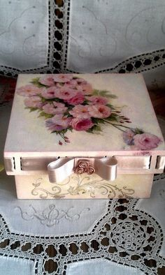 деревянная шкатулка для украшений, декупаж и декорирование, роспись, купить можно в киеве