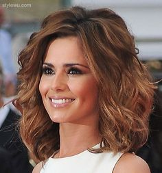 shoulder-length-wavy-haircut-for-round-face-natural-curly-medium ...
