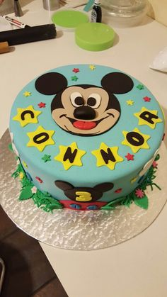 Micky mouse cake Daisy Cupcakes, Mouse Cake, Birthday Cake, Desserts, Food, Tailgate Desserts, Birthday Cakes, Dessert, Postres