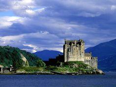 Eilean Donan Castle, Loch Duich, Scotland      I love castles.