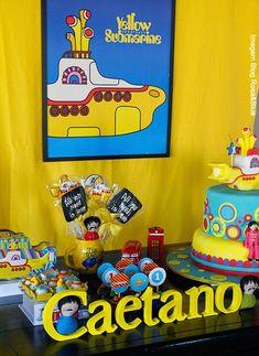 Festa beatles yellow submarine Festa Yellow Submarine, Yellow Submarine Movie, Beatles Cake, The Beatles, Beatles Birthday Party, Birthday Parties, Birthday Board, 7th Birthday, Birthday Ideas