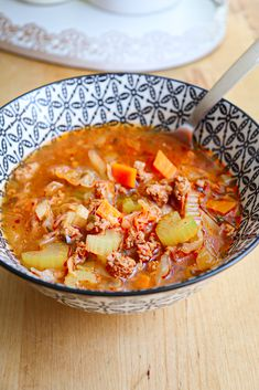 Soup with vegetables and minced meat – Ama Nicolae Supe, Cheeseburger Chowder, Curry, Food And Drink, Meat, Vegetables, Ethnic Recipes, Kalay, Veggie Food