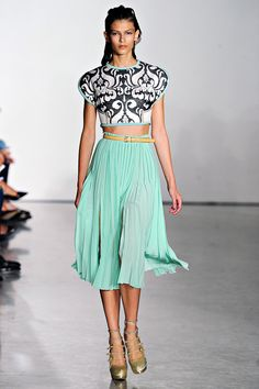 Aquilano.Rimondi - S/S 2012 I think this would be a great outfit!
