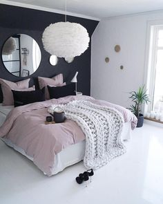 MIX&MATCH is a perfect way to restyle your bedroom. Pure Cotton Bedding in dusty pink colour with navvy pillows and grey sheets.