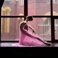<<Alèna Grivninâ, The Bolshoi Ballet Academy # Photo © Daria Chenikova