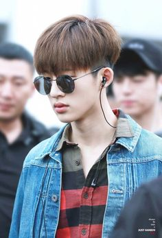 "I need Hanbin in denim jacket to make a comeback too :("" Kim Hanbin Ikon, Ikon Kpop, Trendy Haircuts, Haircuts For Men, Bobby, Two Block Haircut, Korean Men Hairstyle, Ikon Debut, Kpop Hair"