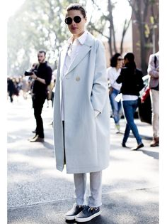 the perfect outfit for spring: baby-blue oversized coat & Slip-Ons! Celine, Balmain, Givenchy, Sneaker Trend, Dior, Bcbg, Vogue, Louis Vuitton, Cozy Fashion