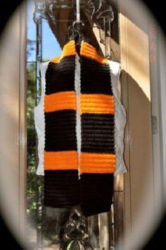 Orange and Black Camel Stitch Scarf #HAFshop #HAS #handmade