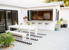 Modern patio makeover - ahouseinthehills.com