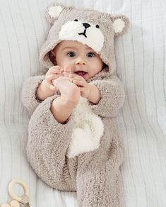 9 Ultimate Tips For A Newborn Baby Photoshoot With Spyne So Cute Baby, Cute Baby Boy Photos, Cute Little Baby Girl, Cute Kids Pics, Baby Girl Pictures, Cute Funny Babies, Cute Baby Videos, Cute Baby Clothes, Adorable Babies