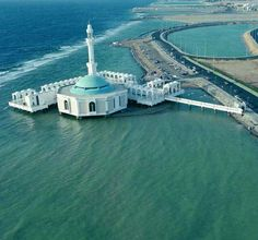 Beautiful ....floating Mosque - Jeddah , Saudi Arabia http://www.designhome.ae/category/architecture_design/