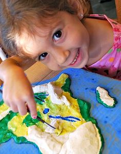 Kids Painting Salt Dough Maps- Kid World Citizen Map Projects, School Projects, Projects For Kids, Crafts For Kids, Learning Activities, Activities For Kids, Montessori Activities, Learning Tools, Activity Ideas