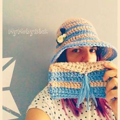 Sombrero de playa y cartera tejidos a crochet con hilo washi de Katia