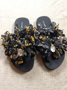 Women's Pittsburgh Steelers Flip Flops (Handmade) Size 6 #PittsburghSteelers