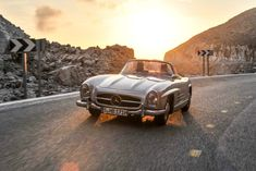 Built from 1957 to 1963 and still a beauty, today. Wedding Cars, Classic Mercedes, Mercedes Benz Cars, Sport Cars, Cars Motorcycles, Vintage Cars, Classic Cars, Luxury, Friends