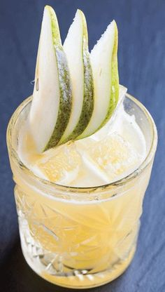 Absolut Pears: 2 oz Absolut Pears Vodka, 1 oz of plain syrup, ¾ oz of lemon juice, ½ oz of pear puree, 1 slice of pear. Combine the first four ingredients Pear Drinks, Cocktail Drinks, Fun Drinks, Yummy Drinks, Cocktail Ideas, Cocktail Shaker, Beverages, Cranberry Juice And Vodka, Pear Vodka