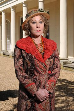 Poirot star Zoe Wanamaker: 'Like Ariadne I'm a bit scatty' Hercule Poirot, Agatha Christie's Poirot, British Actresses, British Actors, American Actors, Actors & Actresses, Bbc Tv Shows, David Suchet, Miss Marple