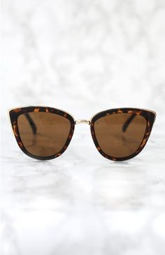 Quay My Girl Sunglasses Tortoiseshell | Beginning Boutique | Wear the My Girl Sunglasses with a floral printed dress and strappy sandals for a chic Summer-ready look!