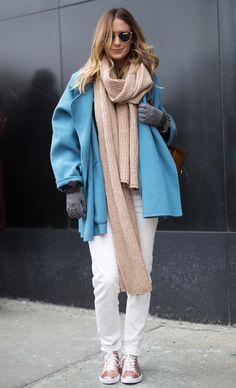 Как носить объемный шарф и выглядеть стильно: 20 модных идей для холодов | Журнал Cosmopolitan
