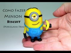 DIY tutorial minion biscuit, minion porcelana fria, minion cold porcelain -Viviana Biscuit - YouTube