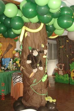 Decorations at a Jungle Party #jungle #party